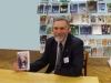 В. Івановський під час презентації монографії (фото з сайта Вітебської обласної бібліотеки)
