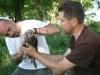 M. Pommer та М. Гаврилюк під час мічення пташеня балабана